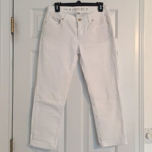 Jennifer Lopez White Denim Capris